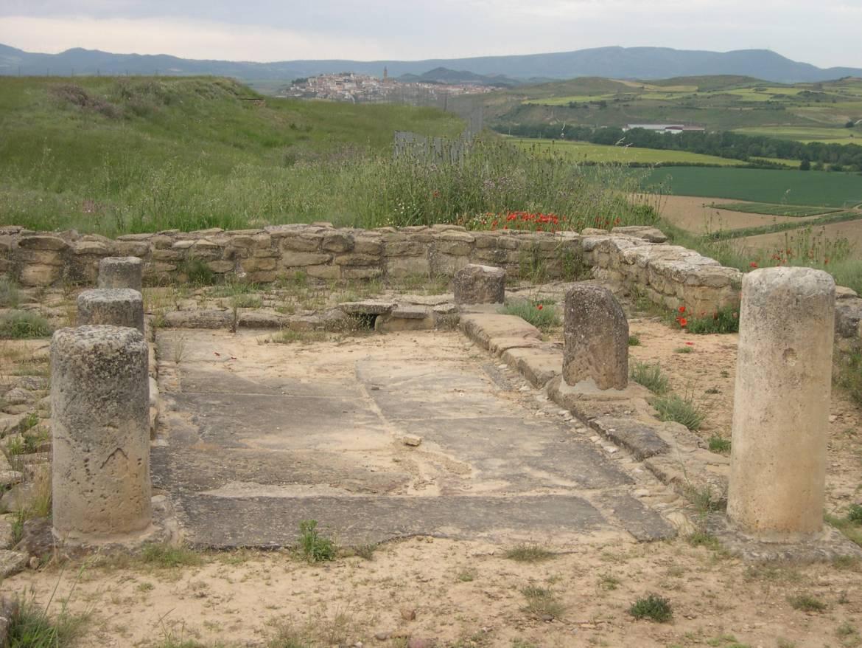 Alquiler-Casas-Rurales-grandes-enteras-en-Navarra-www.orbaraetxea.com-Andelos1.jpg