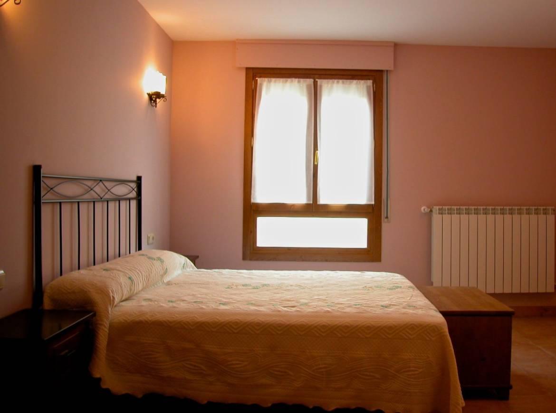 Alquiler-casa-rural-grandes-y-entera-en-Navarra-Orbara-Etxea-Menidgorria-6-1.jpg