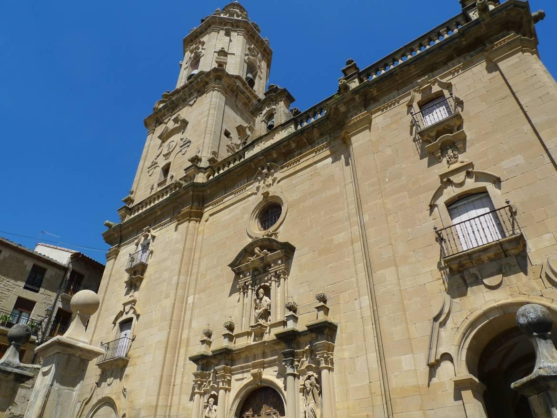 Alquiler-casas-rurales-grandes-en-Navarra-Mendigorria-www.orbaraetxea.com-1.jpg