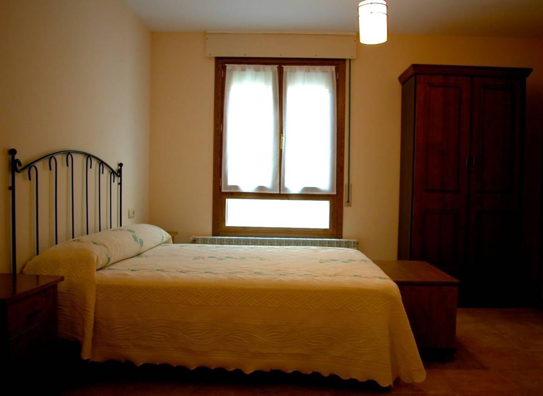 Lloguer-cases-rurals-grans-a-Navarra-senceres-www.orbaraetxea.com-2-1.jpg